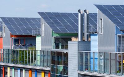 Lösungen für ein optisch perfektes Dach: Indach-Montagesystem für Photovoltaik-Anlagen