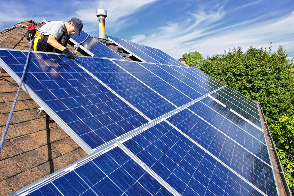 In 5 Schritten die eigene Solaranlage in Betrieb nehmen