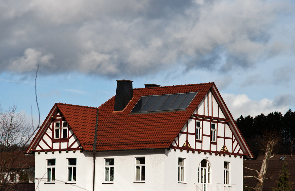 """""""Und was sagt der Denkmalschutz?"""" – Was bei Photovoltaik-Anlagen auf besonders geschützten Gebäuden zu beachten ist"""